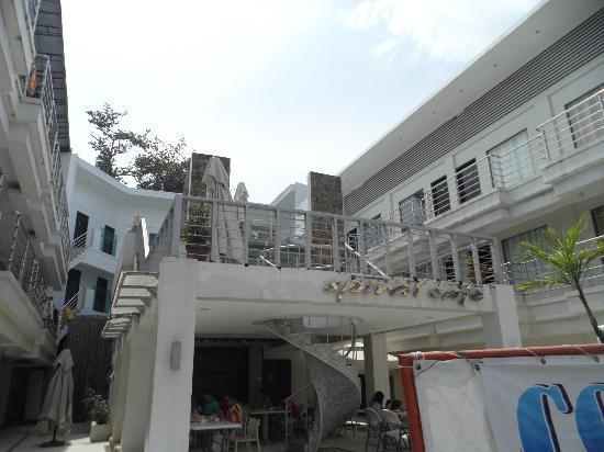 Erus Suites Hotel: front of hotel