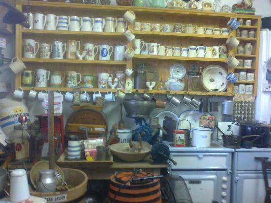 Derryglad Folk & Heritage Museum: crockery