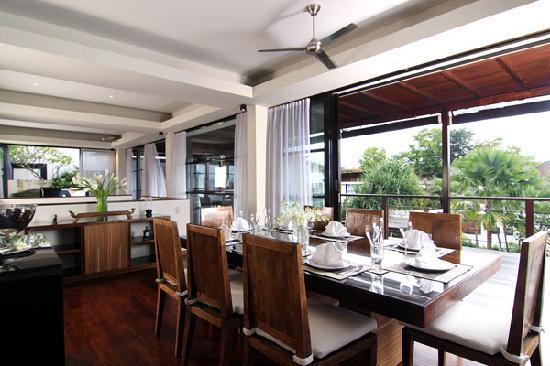 Temple Hill Residence Villa: Villa Magna dining room