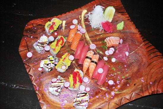 Pk0 : Assortiment de sushi pour 2 pers.