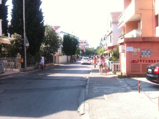 Hotel Oliva: street
