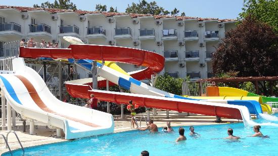 Atlantique Holiday Club: jeden z basenów