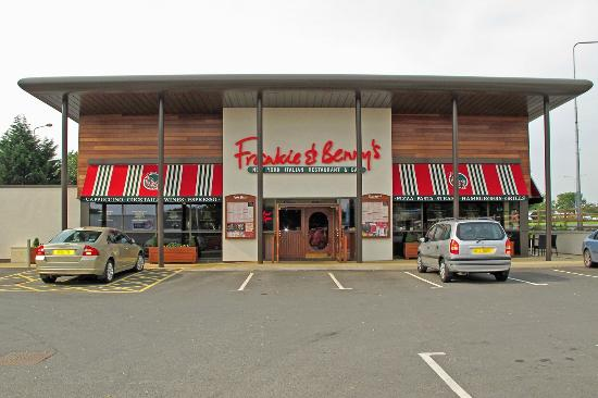 Restaurant frontage Picture of Frankie and Bennys  : frankie and benny s from www.tripadvisor.co.uk size 550 x 366 jpeg 33kB