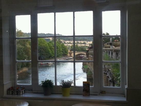 The Edgar Townhouse: Vistas desde el Puente de Bath