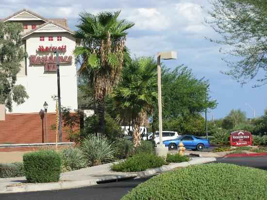 Residence Inn Scottsdale North: approach