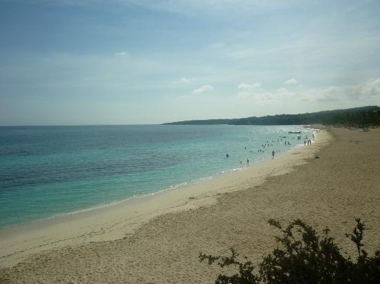 Playa Esmeralda: Taken from look out point at nearby nature trail