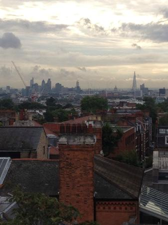 Premier Inn London Hampstead Hotel: View of London from room 528