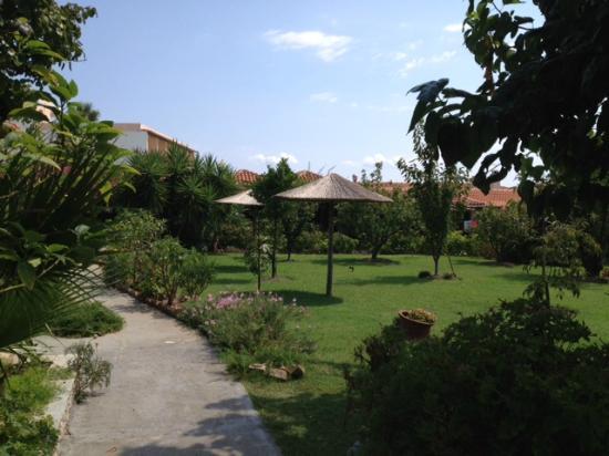 Maniatis Garden
