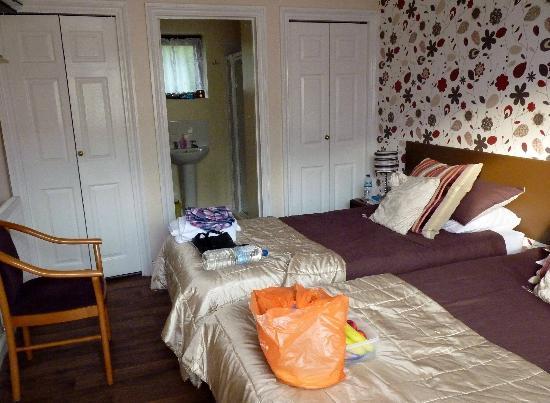 The Farmers Boy Inn: Single Room with twin beds