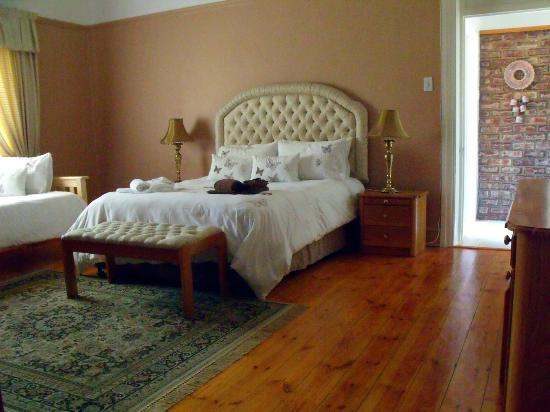 Bisibee Guest House: Room 3 - Main House