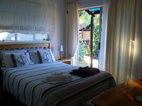 Bisibee Guest House: Room 9 with double size bed