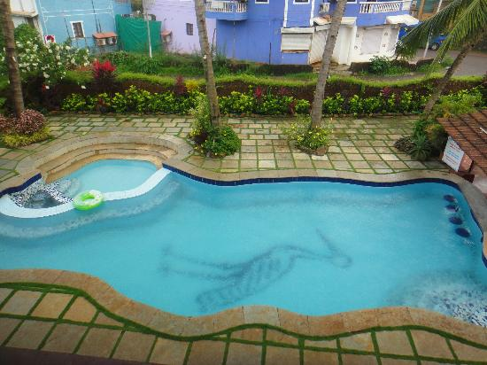 Kingstork Beach Resort : Pool - View from Room