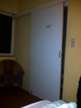 Noordzee Hotel: Seconde chambre porte coincée