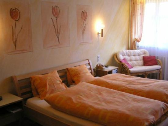 Torkelbundte Hotel Garni: Zimmer