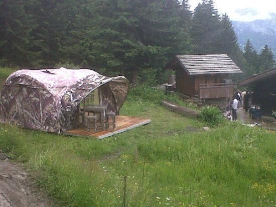 Telemark Cafe: The Camp de Base Bivouac Experiences avec le Télémark Café au Chalet Refuge Vé la Marie à Noré