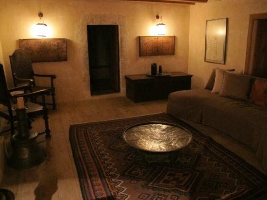 Adasofra: Living room