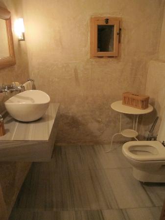 Adasofra: Toilet