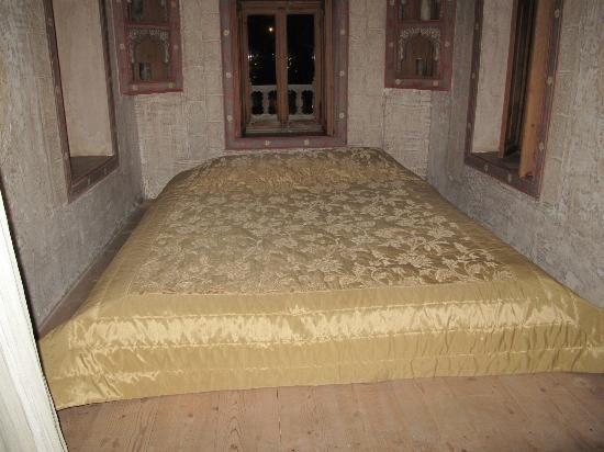 Adasofra: The honeymoon bed :)