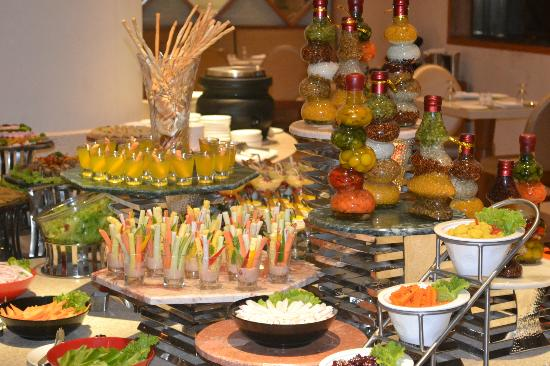 Awe Inspiring Buffet At Tangerine Picture Of Radisson Salem Tripadvisor Interior Design Ideas Jittwwsoteloinfo