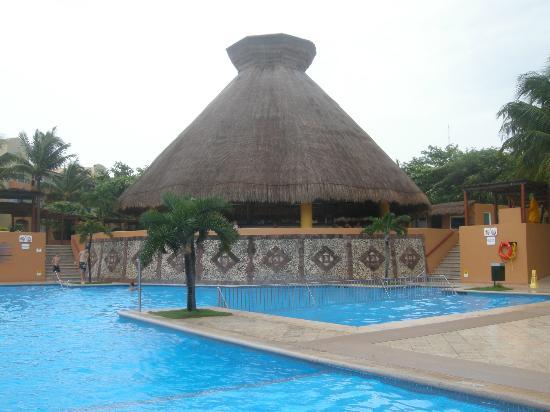 Viva Wyndham Azteca: il tetto del grande bar aperto 24h su 24