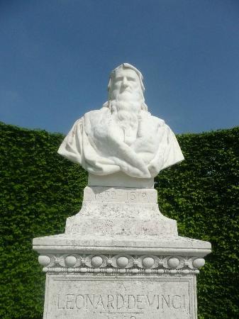 Chateau d'Amboise: Buste de Leonardo da Vinci. Amboise, Château royal