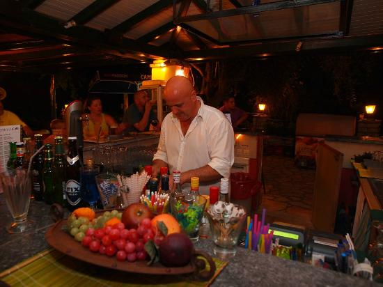 Liapades Beach Hotel: Brilliant cocktail maker!