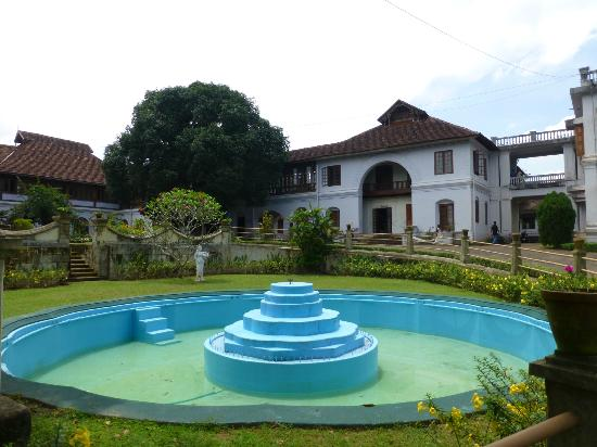 Hill Palace of Tripunithura: This would look so lovely if they got it working!