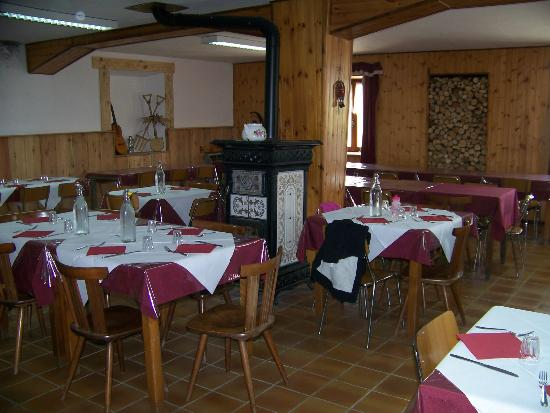 sala da pranzo rifugio Dondena ao
