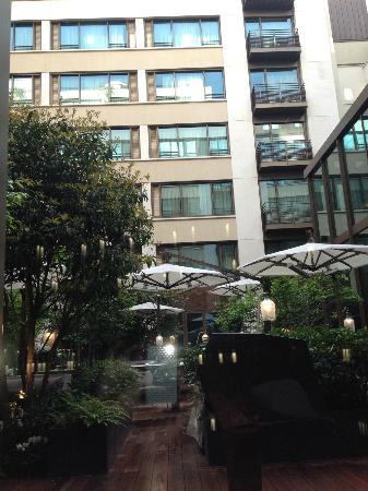 Mandarin Oriental, Paris: cour intérieur 