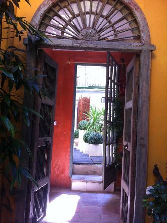 La Banasterie: cour intérieur 