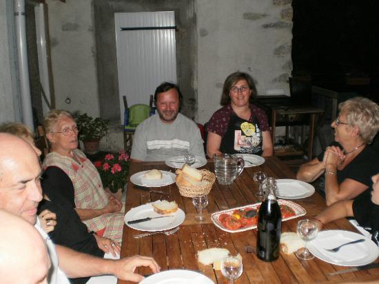 Les Terrasses de Cailla: UN SOIR,la TABLE D'HOTES