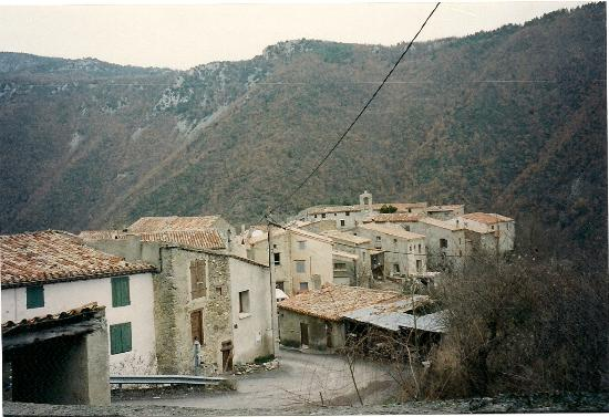 Les Terrasses de Cailla: VUE SUR CAILLA