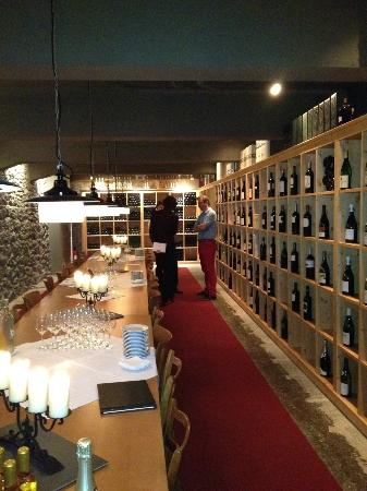 Hotel Grimsel Hospiz: Wine celler