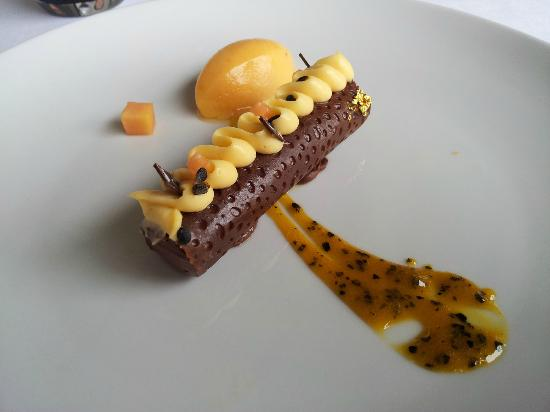 Restaurant Le Saint-James Relais & Chateaux: dessert choco passion