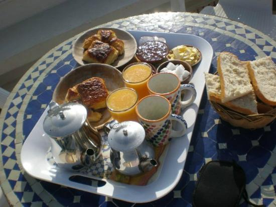 Riad de la Mer : gorgeous breakfast in the sun