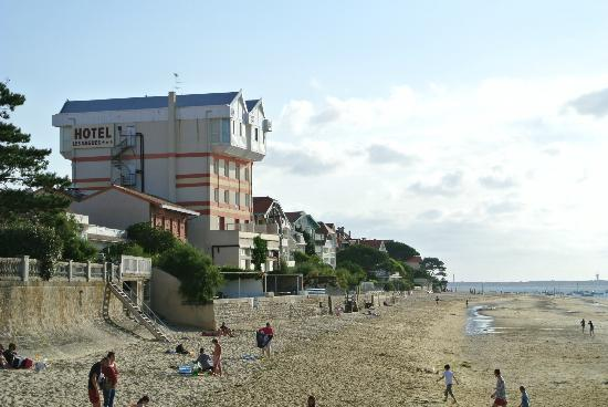Hôtel les Vagues : Ansicht vom Strand
