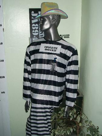 Jailhouse Accommodation: Dressing up fun in the foyer