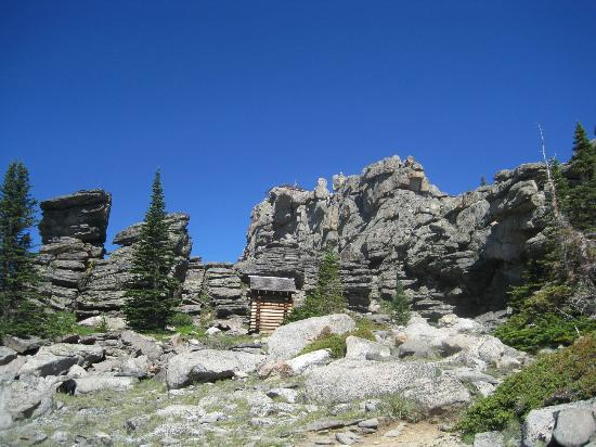 Wyoming: Black Mountain Fire Lookout outhouse