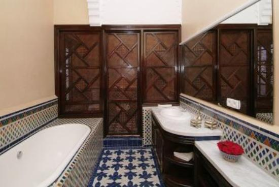 Riad Misbah : Damascus suite bathroom