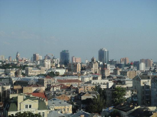 InterContinental Kiev : Вид на Киев с 9-го этажа гостиницы