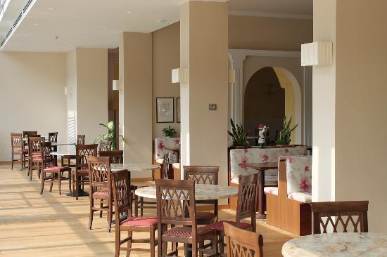 Hotel Harrys' Garden: AREA COLAZIONE