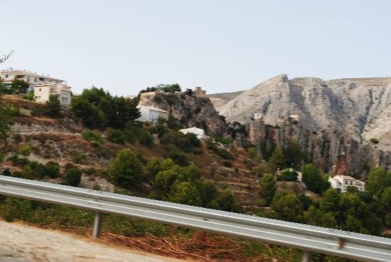 Guadalest Monastery: Guadalest from the approach