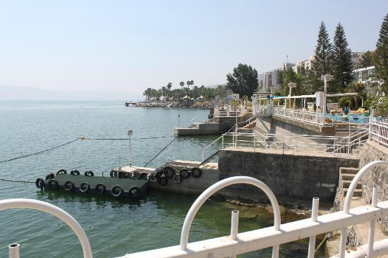 Ron Beach Hotel: Looking out to the Sea of Galilee