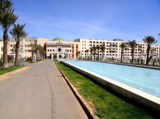 Renaissance Tlemcen Hotel : Entrée de l'hotel