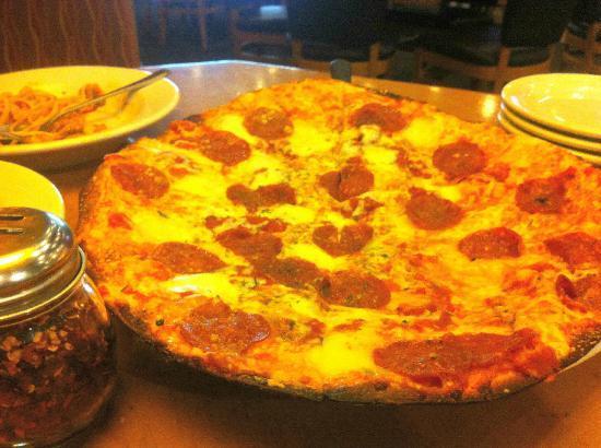 California Pizza Kitchen: Pepperoni Supremo Thin Crust Pizza