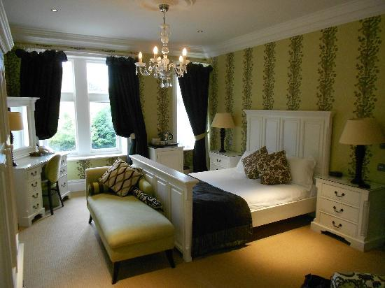 The Wheatley Arms: The fabulous bed