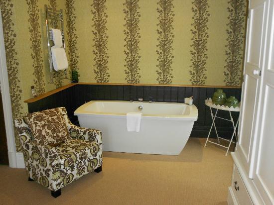 The Wheatley Arms: The insitu bath