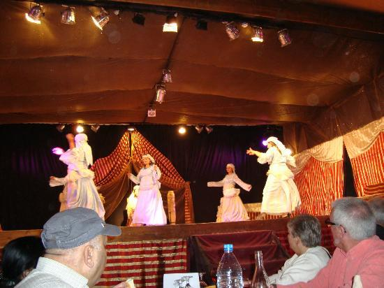 Medinat Alzahra Parc: Traditioneller Hochzeitstanz - Dinnervorführung