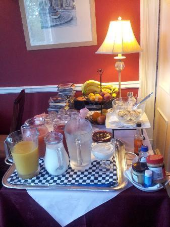 The Lodge Elgin: Breakfast Room