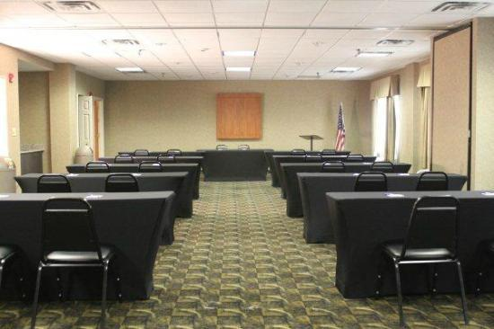 Holiday Inn Express Hotel and Suites : Meeting Room